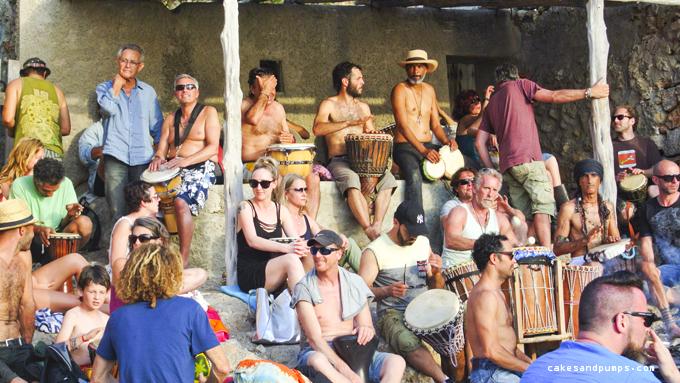 Cala-benirras-ibiza-drum-players