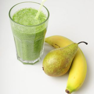 Green Smoothie pear banana celery spinach