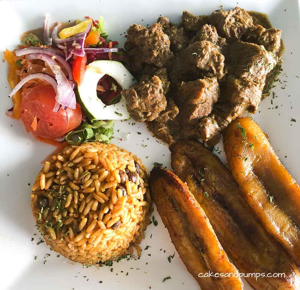 Karni stoba Pop's place Curacao, review on cakesandpumps.com